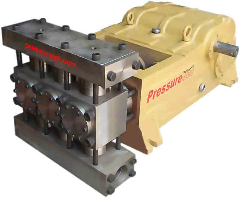Triplex piston pumps