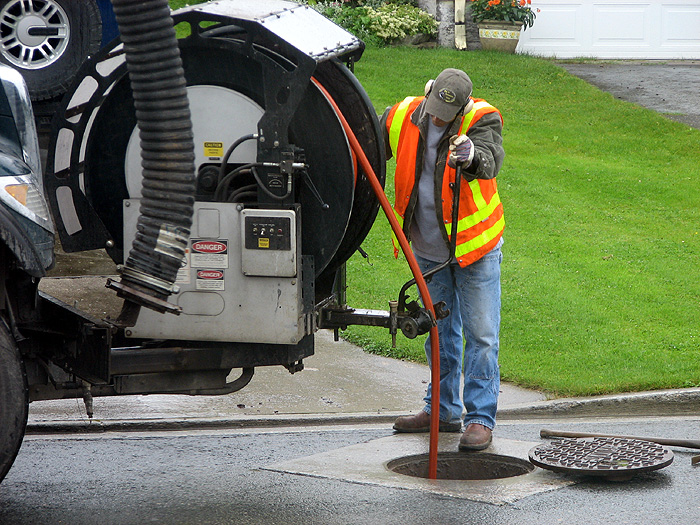 The Advantages Of Hiring A Drain Line Cleaning Professional